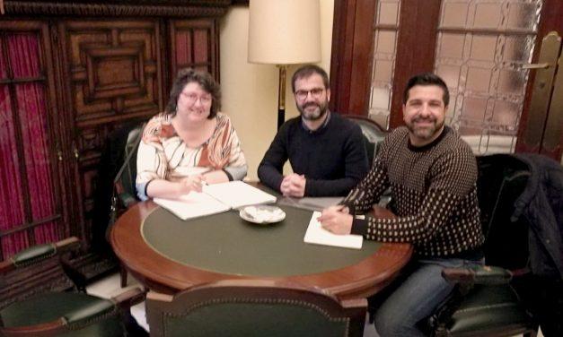 Crezco se reune con Teresa García, Directora General de Igualdad del Ayuntamiendo de Sevilla.